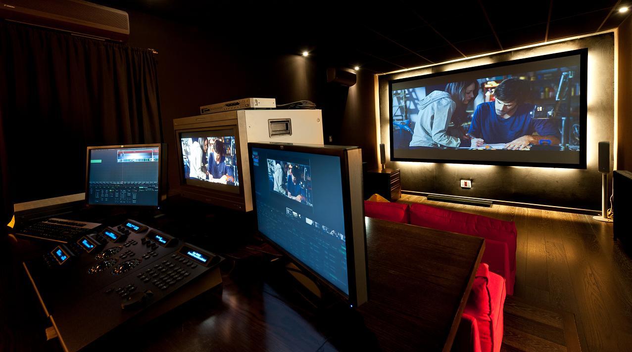 3 mistika davinci christie studios for color grading - Sala de cine en casa ...